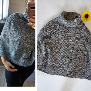 TOMMY HILFIGER GRAY PONCHO SWEATER
